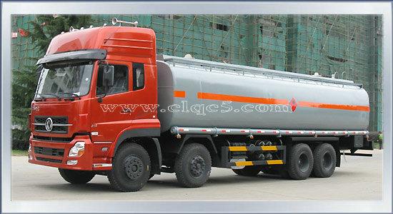 油罐车明智之选 东风天龙小三轴油罐车10吨加油车