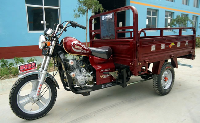 正三轮摩托车