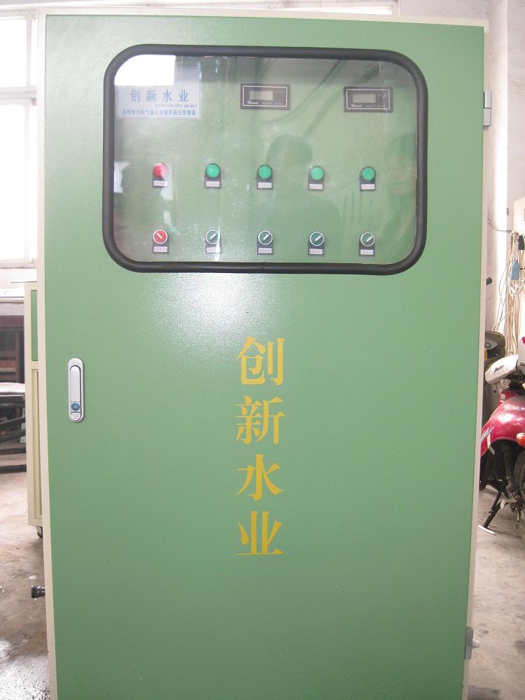 供应苏州电瓶蒸馏水电瓶专用去离子水机蓄电池用蒸馏水设备图片