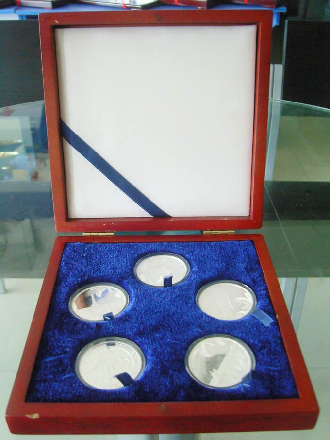 供应潜艇二基地五枚装纯银纪念币配花梨木盒商务模型礼品特色经典批发
