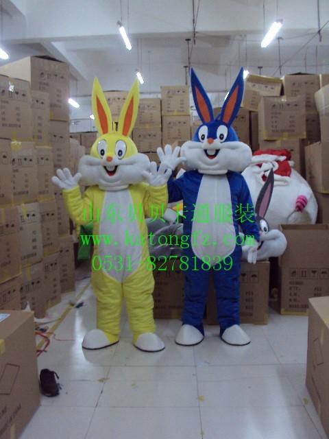 供应卡通兔子装生肖兔子卡通人偶服道具出租山东济南兔子毛绒玩偶服饰批发