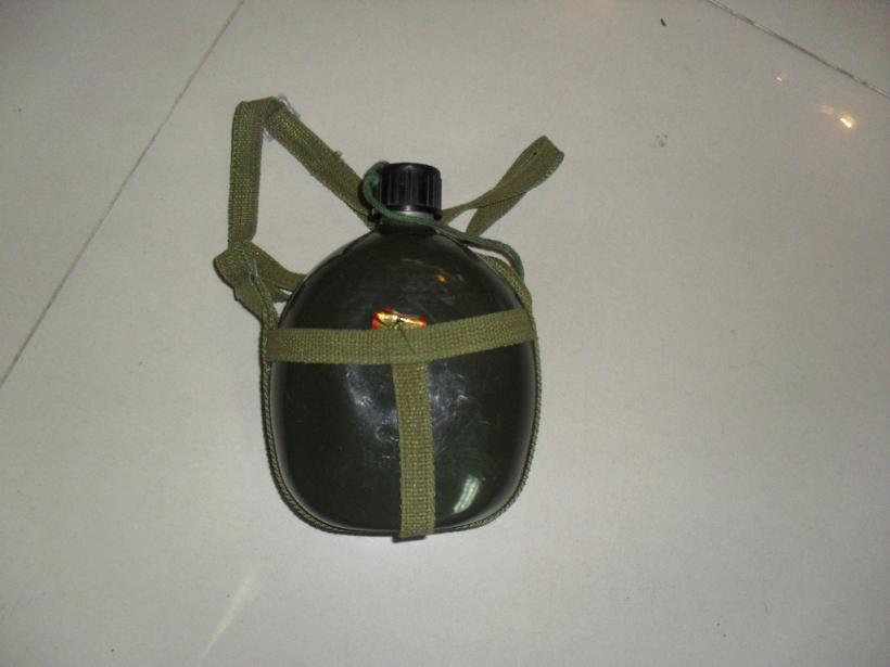 供应军队作战备用水壶
