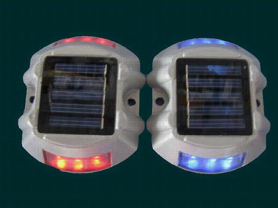供应太阳能道钉,LED太阳能道钉,太阳能警示灯