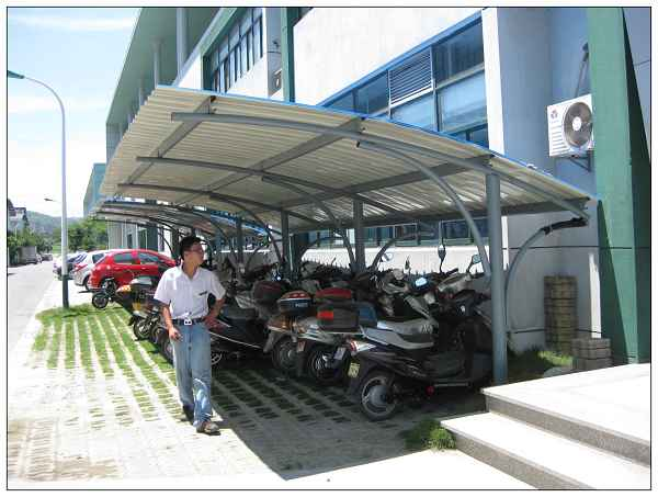 车棚设计图片  生产厂家:                          苏州天地彩钢