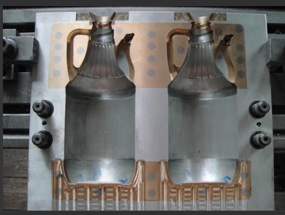 供应专业吹塑酱油壶模具加工