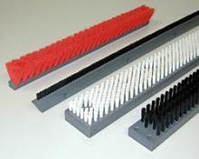 供应静电毛刷、防静电条刷、静电刷辊、防静电刷子、