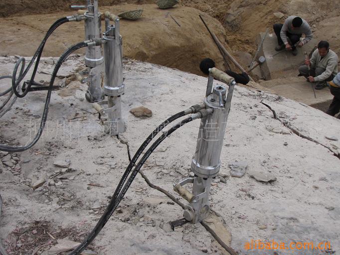 供应柳州博奥达牌液压劈裂器,静态爆破设备