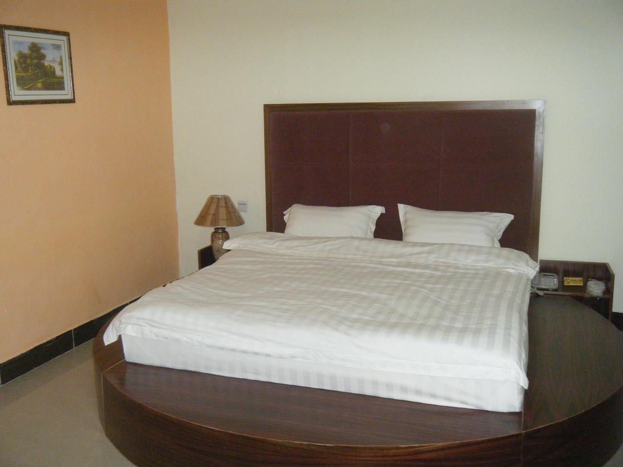 背景墙 房间 家居 酒店 设计 卧室 卧室装修 现代 装修 1280_960