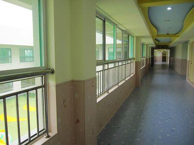 供应济南幼儿园塑胶地板