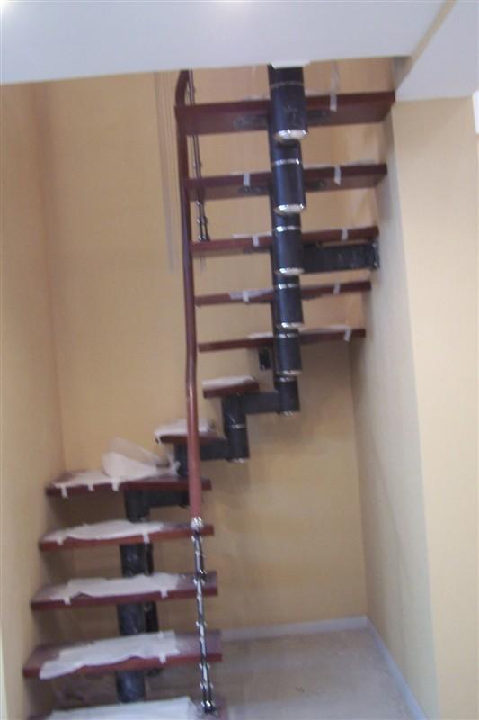 沈阳旋转门厂肯德基门温特门生产供应沈阳连杰楼梯钢