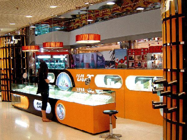 专业设计制作展示柜,商场柜台,展览展位,专卖店装修