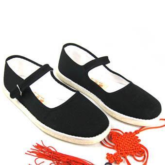 女生一带白布鞋