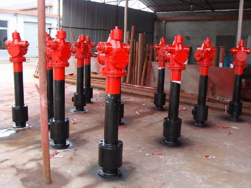 这样当消火栓底座以上的栓体因外力撞至与其分离,消防水管内的压力水图片