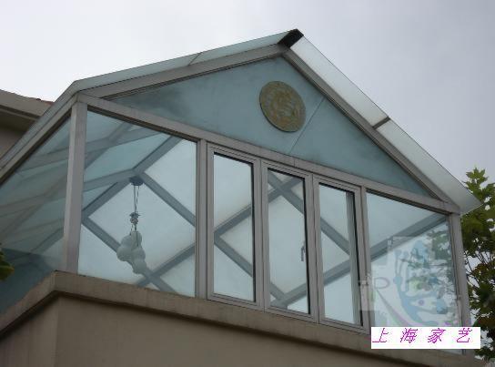 【制作工艺】            阳光房骨架材料采用高强度碳钢焊接,结构