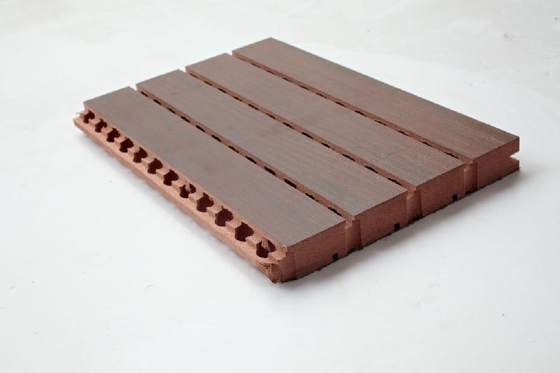 即使材料本身吸声性能很差,这种结构也具有吸声性能,如穿孔的石膏板