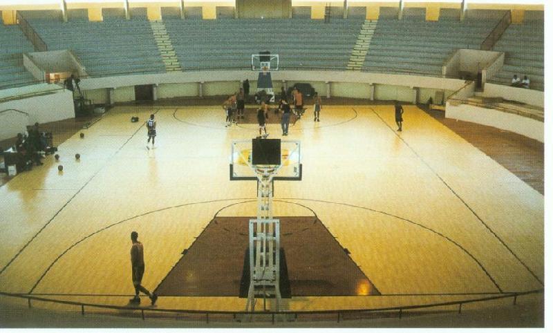 篮球场木板背景