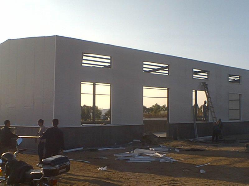 普通屋顶椭圆彩钢顶结构图