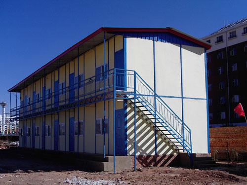 石家庄彩钢复合板c型钢钢结构活动房13403211218  (聚笨,岩棉,玻璃棉)