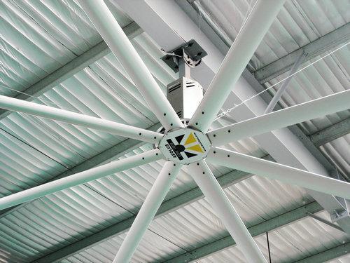 在高达的空间内安装小型风扇位置和布线也存在很大的问题.而7.
