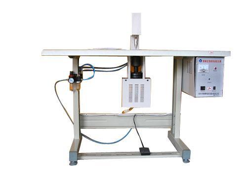 2)功率在500w以上的超声波塑料焊接机所用发生器采用自激式