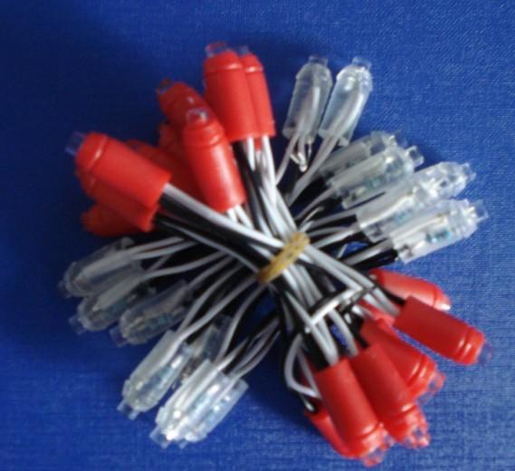 一、防水led灯串特点: 1、led防水灯串化繁为简、随心所欲,充分发挥点光源优势,任意组合,体现随意性,让led外露发光字、大型户外led广告招牌制作更简单! 2、特殊卡口设计,打孔后直接安装,安装时间迅速,保证可靠连接的同时彻底摆脱手工焊接,避免led受到潜伏性损伤,极大缩短制作周期,有效降低安装维护成本,减少不良损耗,彻底解决led工程维护难的状况!