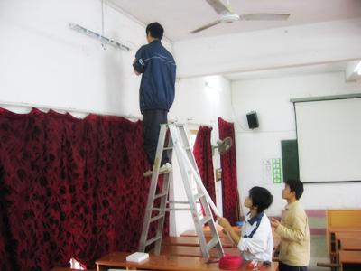 青岛灯具安装维修  家庭电路维修  安装射灯   本